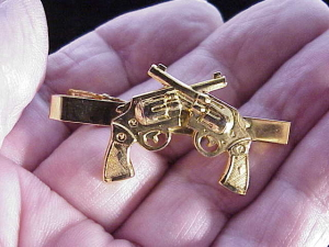 crossed-revolvers-tie-bar-4