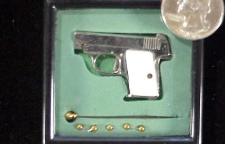 Urso Colt .25 auto-1