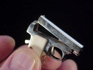 Urso Colt .25 auto-13