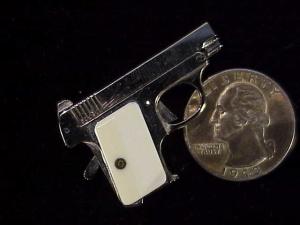 Urso Colt .25 auto-3