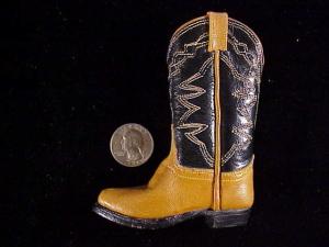 Unknown single miniature boot-2