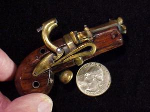 Japanese Netsuke matchlock pistol RN-7-4